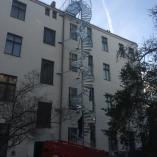 Aussenspindeltreppe als Fluchttreppe an einem Hochhaus