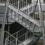 Giterrosttreppe als Fluchttreppe