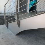 Flachstahl-Wangentreppe / Bogentreppe