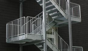 fluchttreppen kaufen individuell bauen lassen treppen. Black Bedroom Furniture Sets. Home Design Ideas