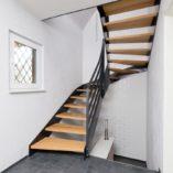 WFH: Flachstahl-Wangen-Treppe