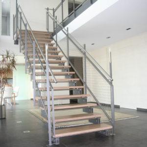Zwei-Holm-Treppe